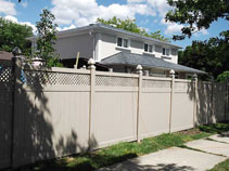 Full Privacy Vinyl Fencing With Lattice Installation In